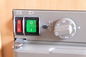 Schema Elettrico Frigo Trivalente Electrolux : Accensione frigorifero in camper video tutorial caravan