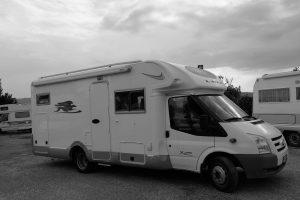 Semintegrale usato laika con garage x695 r disponibile da ABC camper a Pistoia