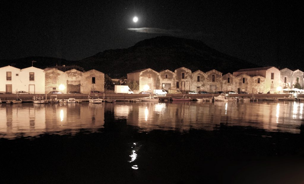 la prossima vacanza in camper Moonlight on the Temo River, Bosa,Sardinia