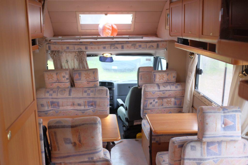 Gli interni dell'autocaravan d'occasione Arca Super America 470