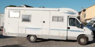 Adria Adriatik 680 SP Semintegrale con garage