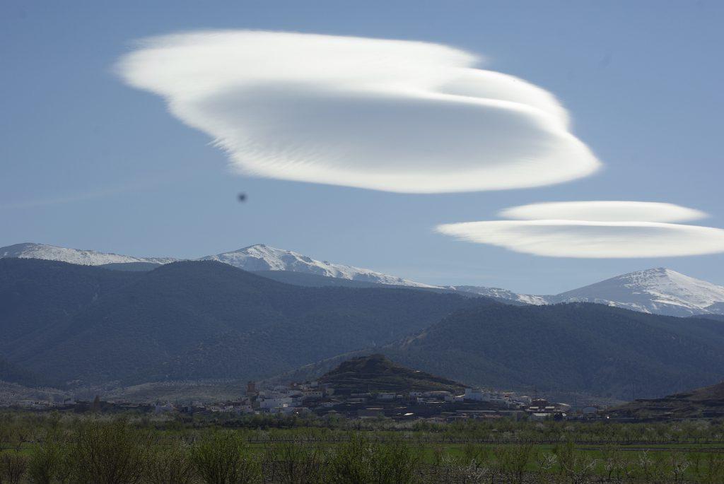 Nubi a ufo....