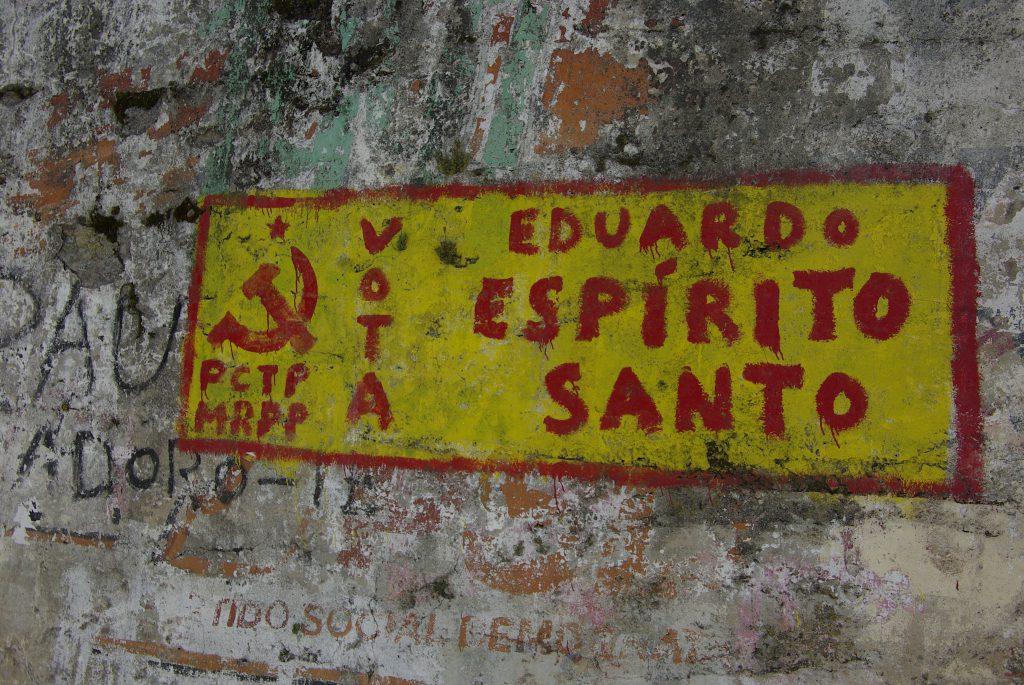 Portogallo, dopo la rivoluzione dei garofani. Attenzione ai particolari insoliti