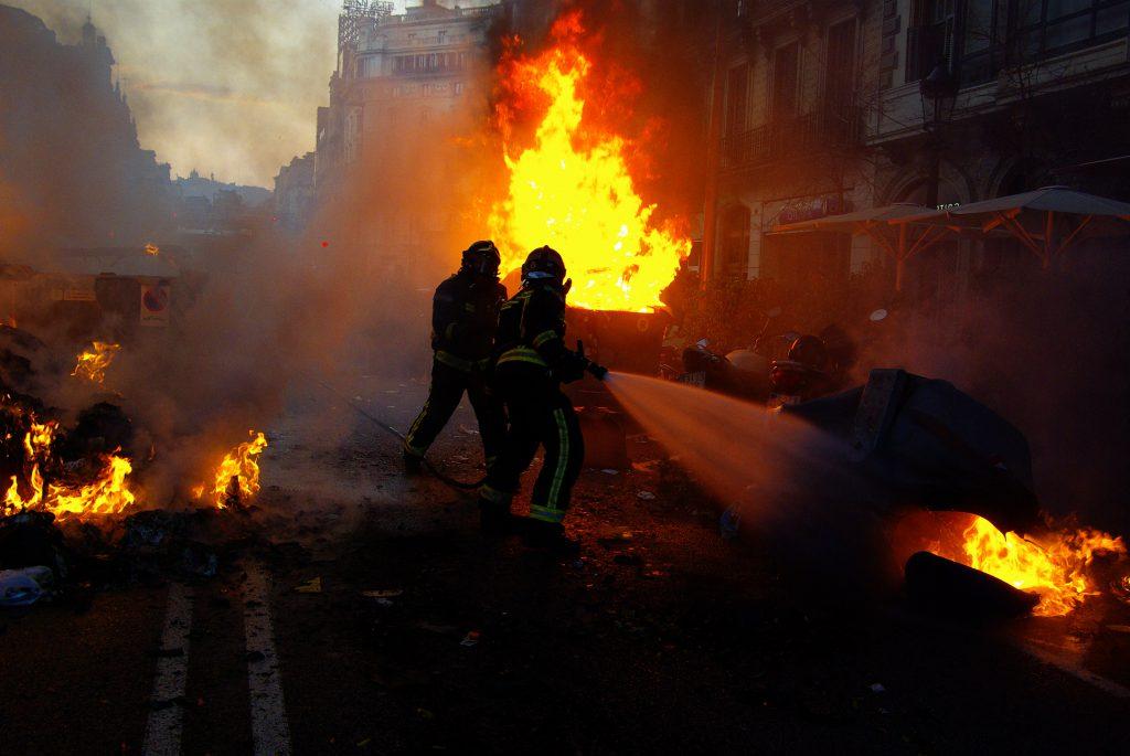 Spagna, Barcellona, proteste. Cercare di essere sempre vicini all'azione