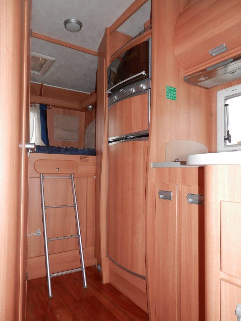Elnagh Prince, parte anteriore cabina dinette