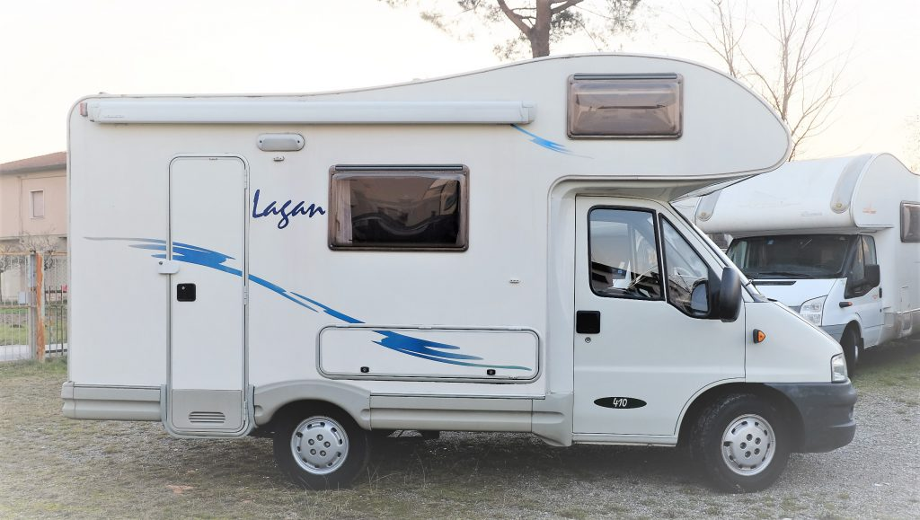 Mc Louis Lagan 410 autoccaravan usato compatto di 5 metri e mezzo