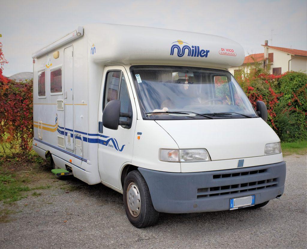 Semintegrale usato Miller Oregon anno 2002 presso ABC Camper Pistoia