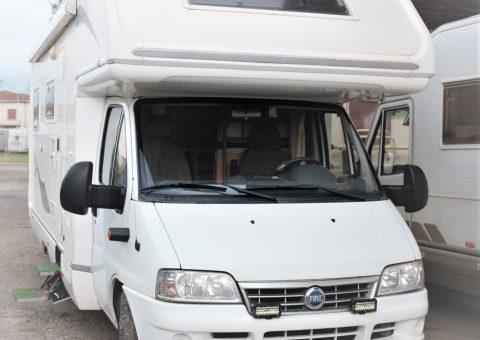 Elnagh Joxy 12 autocaravan mansardato usato anno 2003