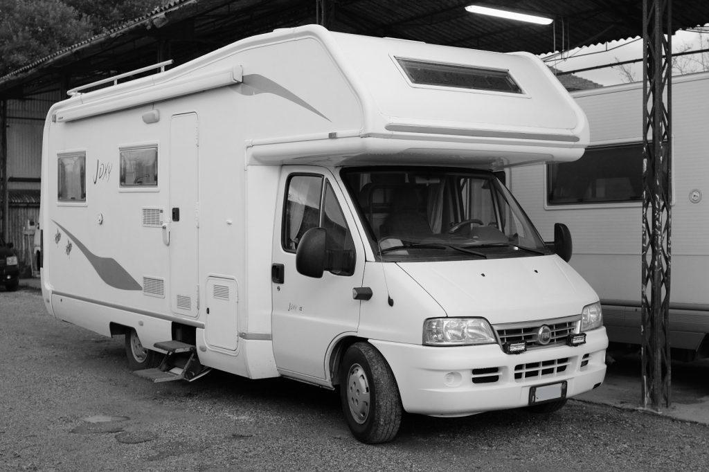 Elnagh Joxy 12 autocaravan usato con dinette a ferro di cavallo, abc  camper pistoia